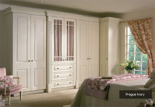 bedroom furniture for small bedrooms